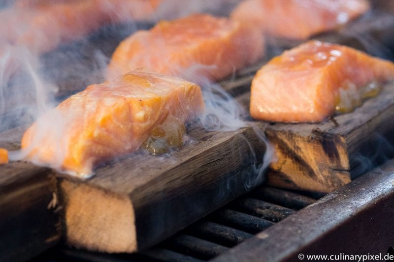 Lachs auf Whisky Holz