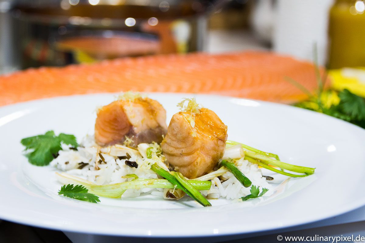 Lachs mit Wildreis und Kürbis-Krustentier-Sauce Food Blog Award 2015 Kochsession